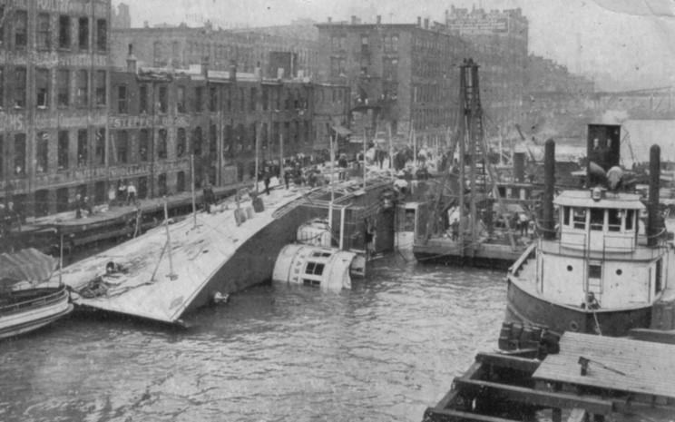 http://www.maritimequest.com/liners/eastland/1915_07_24_13_rob_gardner.jpg