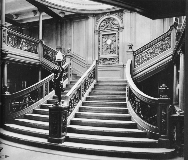 http://www.maritimequest.com/liners/titanic/photos/interior/01_grand_staircase.jpg