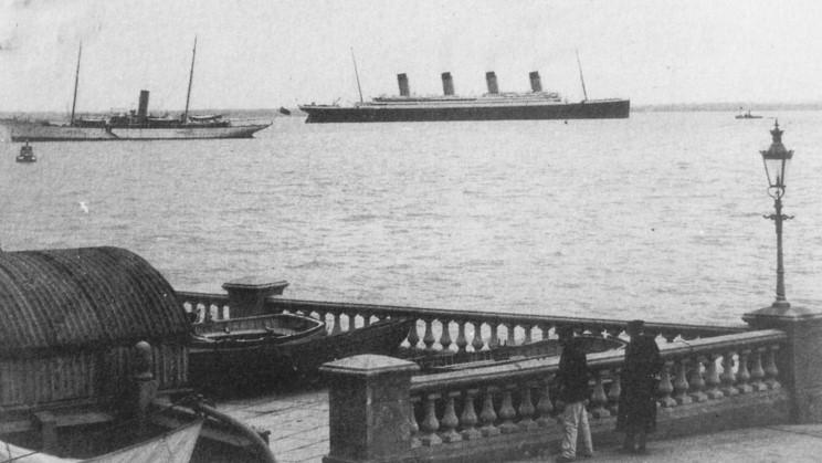 Southampton - Page 3 19_titanic
