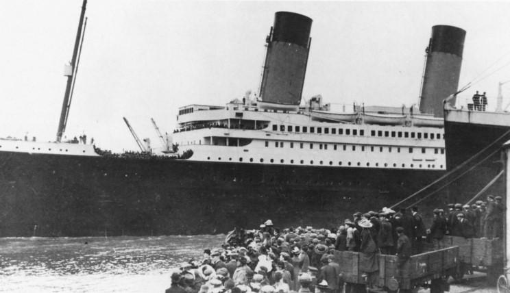 Southampton - Page 3 Titanic_departing_southampton