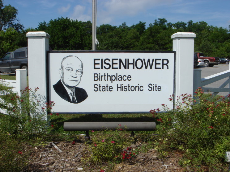 a history of dwight d eisenhower born in denison texas Dwight david eisenhower was the thirty-fourth president of the united states eisenhower was born on october 14, 1890, in denison, texas when he was two years old, his family moved to abilene, kansas he graduated from abilene high school in 1909 eisenhower worked two years at a creamery and assisted his.