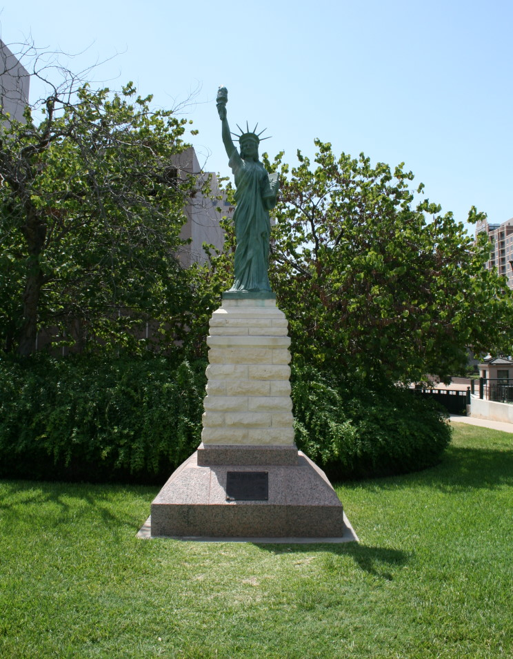 maritimequest   statue of liberty replica austin texas