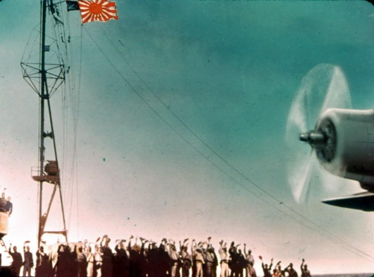 Fotografías a color del ataque a Pearl Harbor 02_take_off