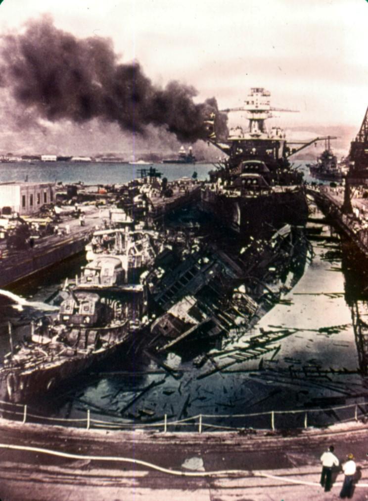 Fotografías a color del ataque a Pearl Harbor 11_uss_cassin_uss_downes_uss_pennsylvania