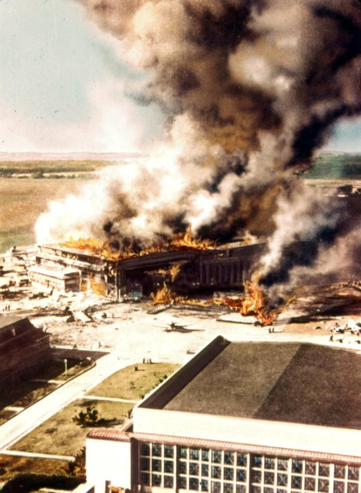 Fotografías a color del ataque a Pearl Harbor 12_ford_island