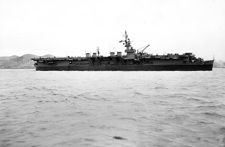 Le CVL-22 USS Independence américain. Source: maritimequest.com