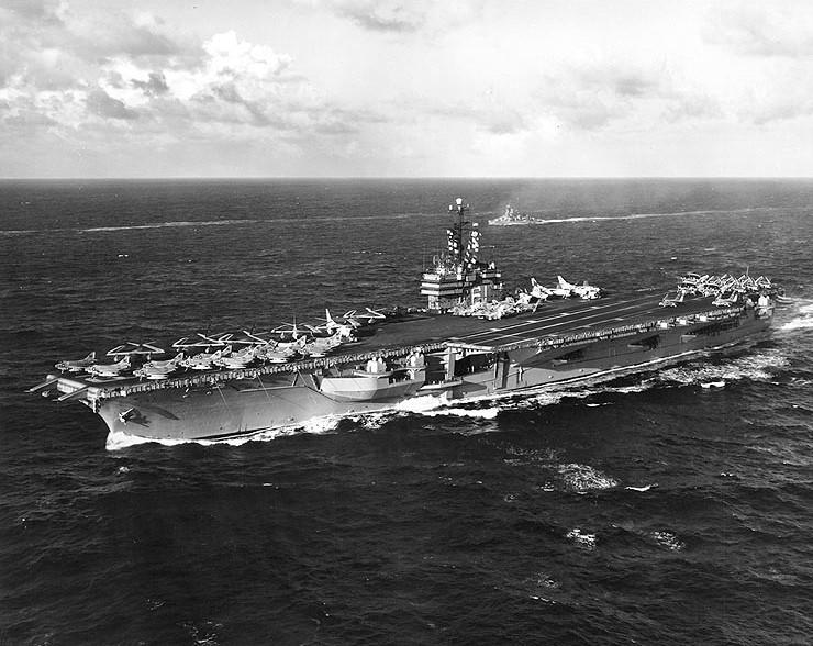 البحرية الامريكية فى الحرب العالمية الثانية  Cva61_b