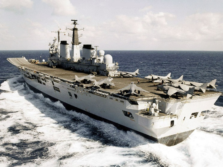 http://www.maritimequest.com/warship_directory/great_britain/photos/aircraft_carriers/invincible_r05/02_hms_invincible.jpg